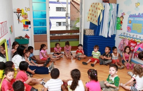 garde-enfant-bordeaux-babysitting-nounou-assistante-maternelle-babysitter-creche